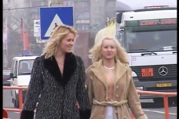 2 Kinky Blonde Girls Risked Pissing On Real Public Streets