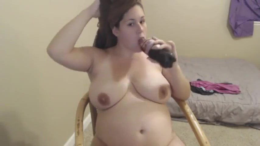 Amateur Feedee Plays After The Shower
