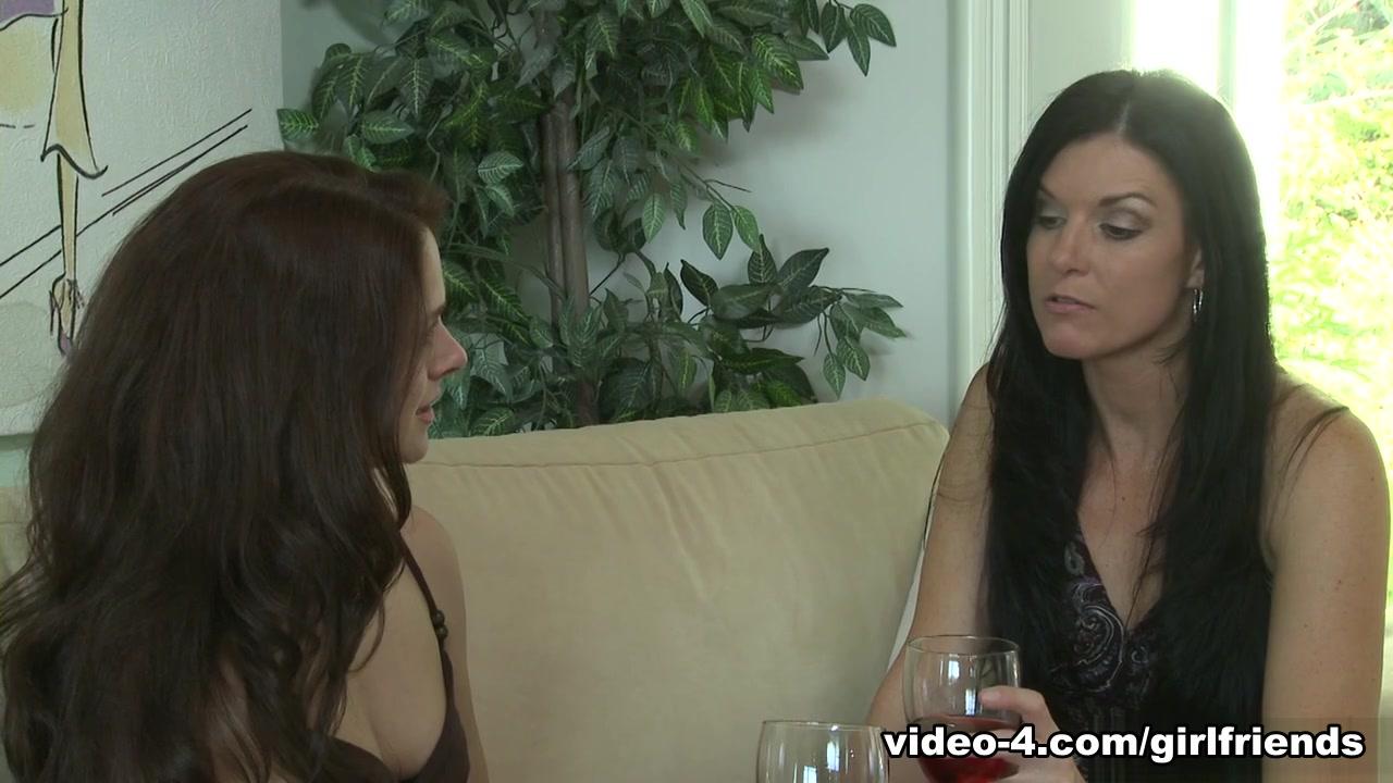 India Summer & Noname Jane On Women Looking For Women # 92, Scene # 03 - Girlfriendsfilms