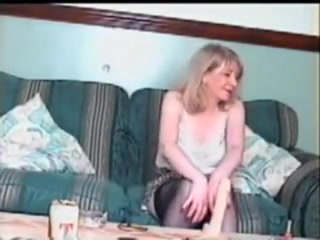 Sexy Glasgow Milf Toying Og Sugende Kuk