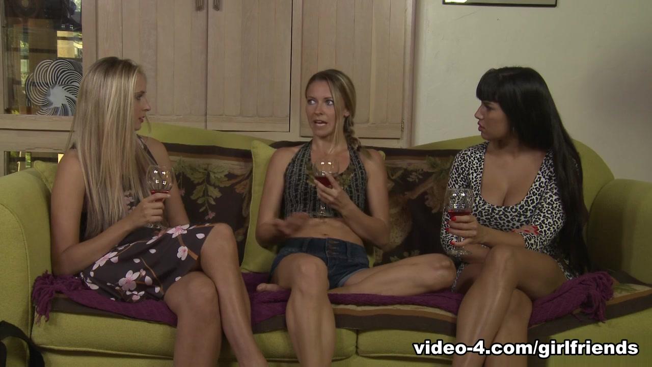 Mercedes Carrera & Allie Eve Knox In Creepers Family # 07, Scene # 03 - Girlfriendsfilms