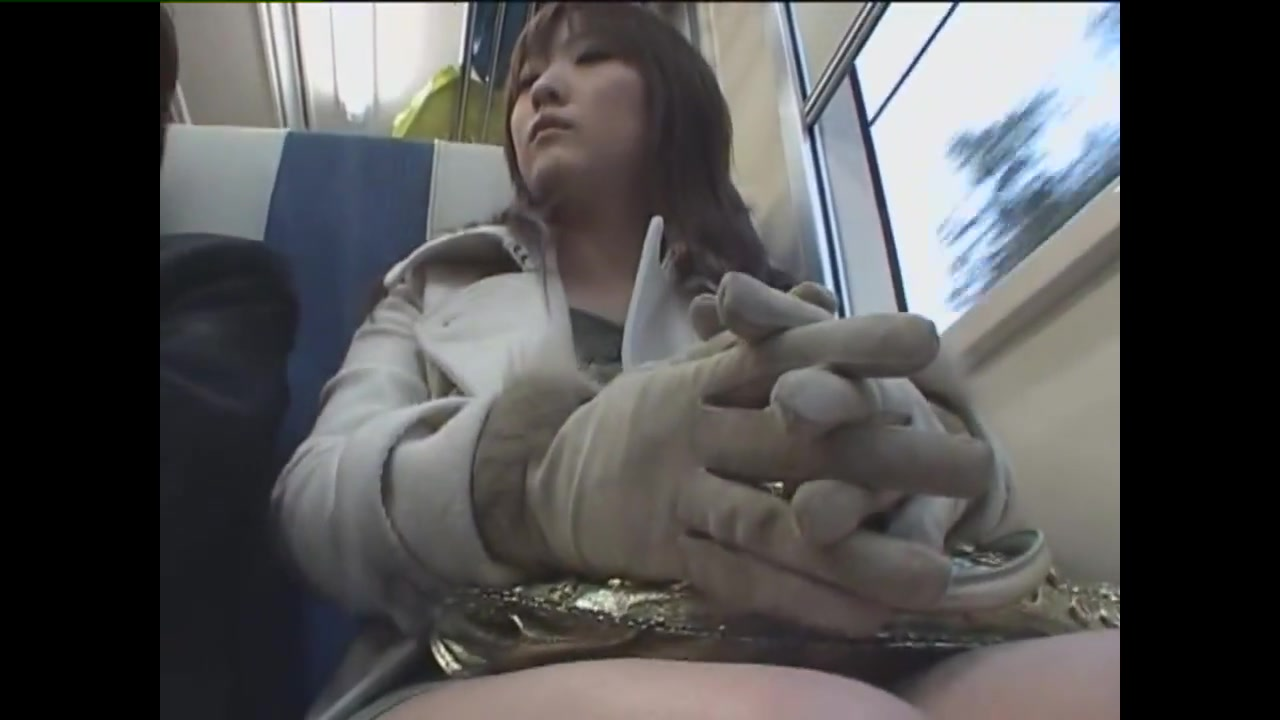 Japanese Handjob Subway 06