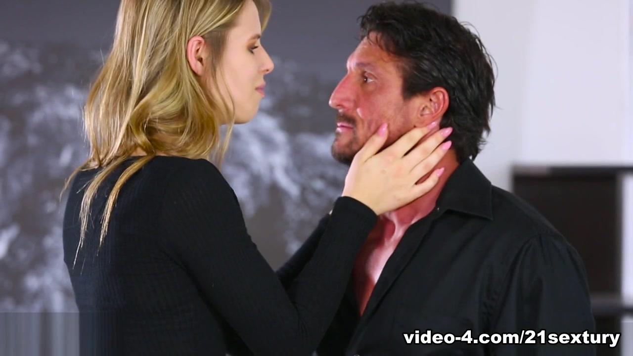Jillian Janson & Tommy Gunn In Chance Reunion, Scene # 01 - 21Sextury
