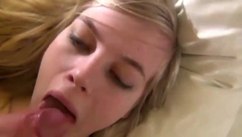 Blonde Loves To Suck And Have An Anal Plug In Her Ass