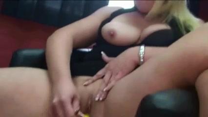 2 Amateur Women Fisting
