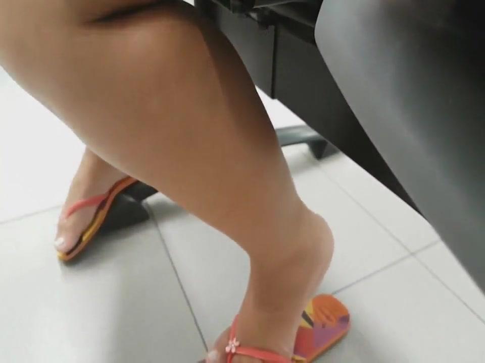 Open Feet Play In Flip Flops Faceshot