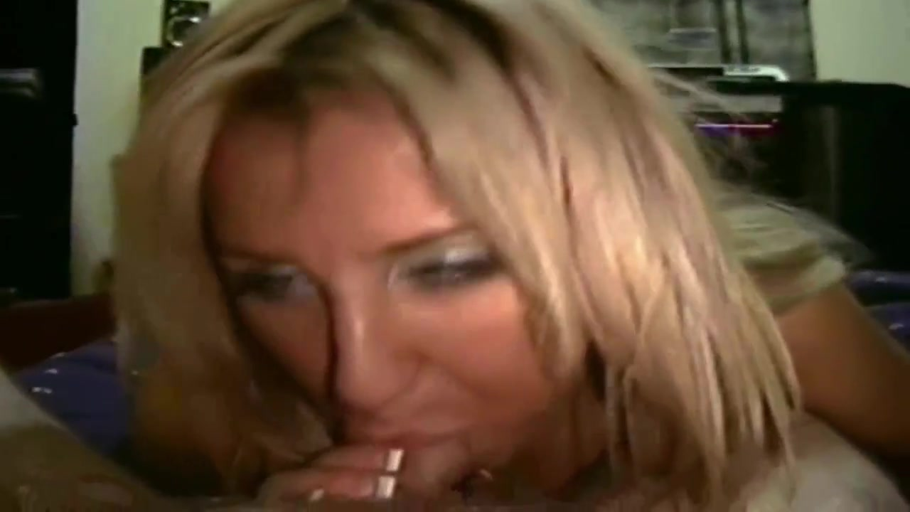 Hot Blonde Riding Homemade And Sucking