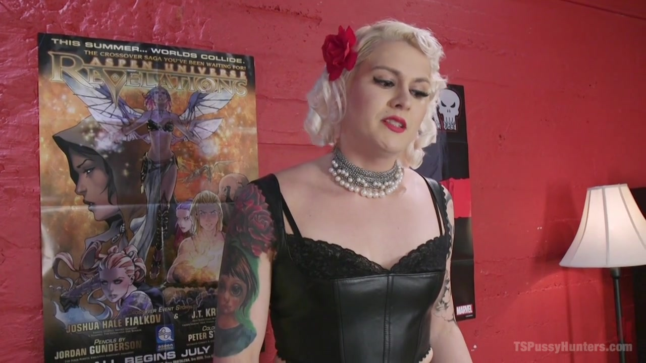 Mona Wales & Isabella Sorrento In Larp Comic Book Fans Fucking And Sucking Ass Pussy And Cock - Tspussyhunters