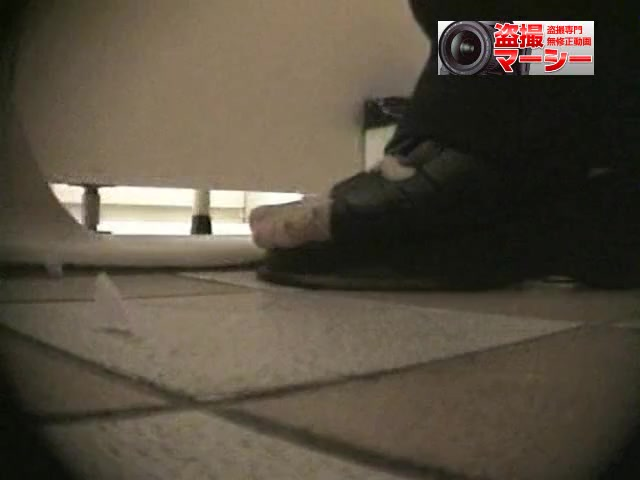Girls peeing in the common toilet voyeur spy cam video