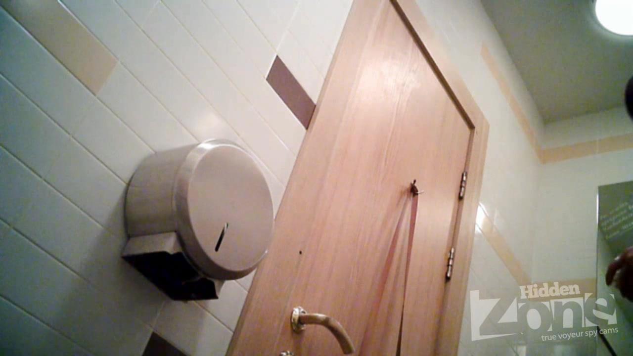 Скрытая камера Подглядывание за соседкой