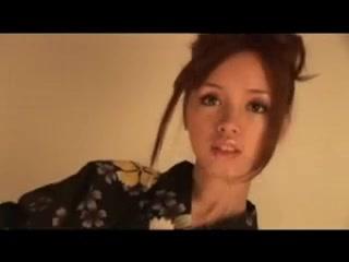 Riina Aishima wearing a yukata