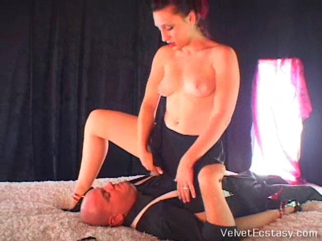 VelvetEcstasy Video: Panty Raid