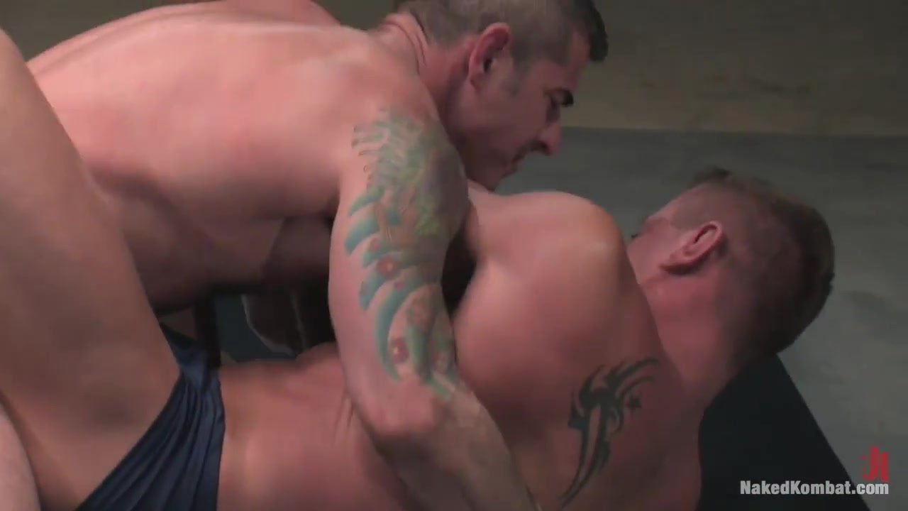 NakedKombat Nick Moretti vs Tyler Saint The Water Match
