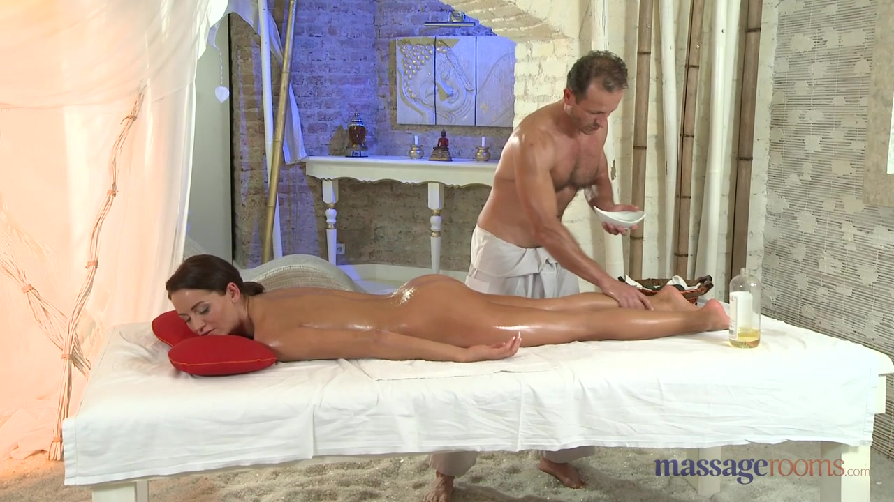 MassageRooms video: george on adele