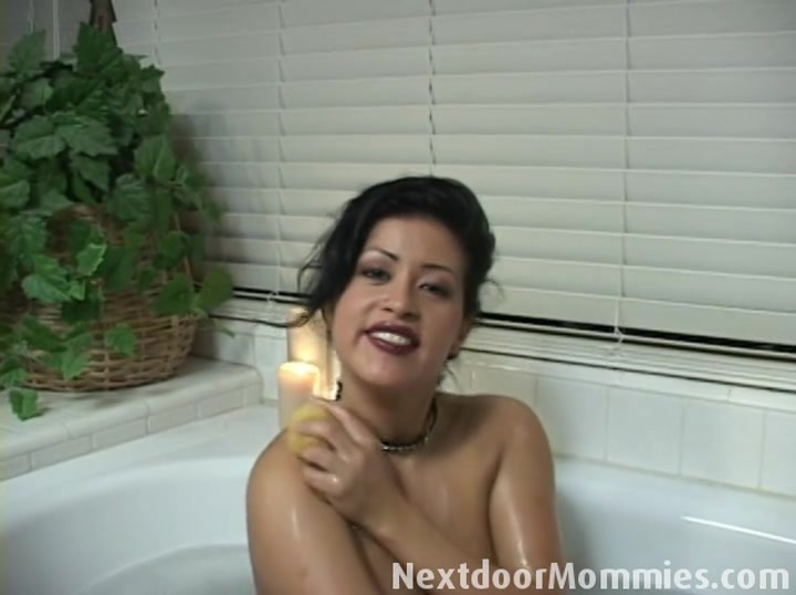 Next Door Mommies: Big breasted latin mom gives handjob