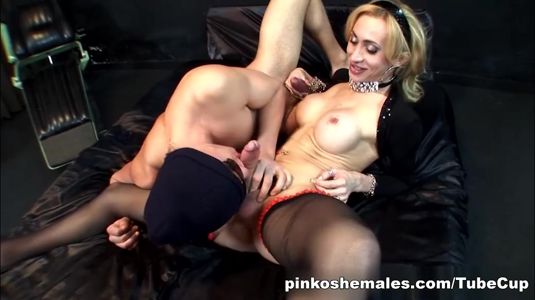 PinkoShemales Video: Blondie Laura