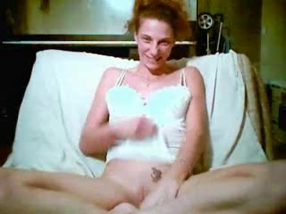 Porno video amateur with a redhead lassie rubbing her clit