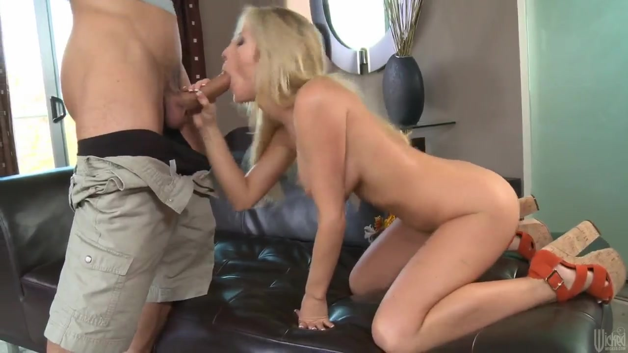 perfect blond tasha reign makes me crazy and happy