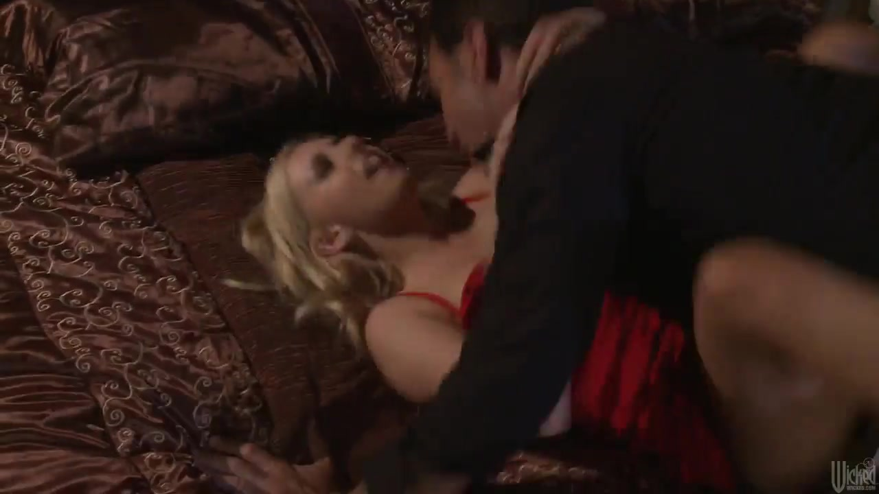 lexi belle gets her pussy licked by a pretty guy