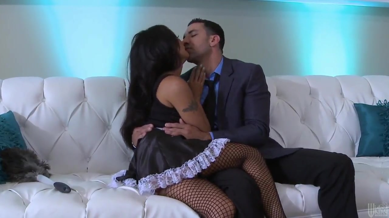 eastern maid kaylani lei goes crazy with cock sucking