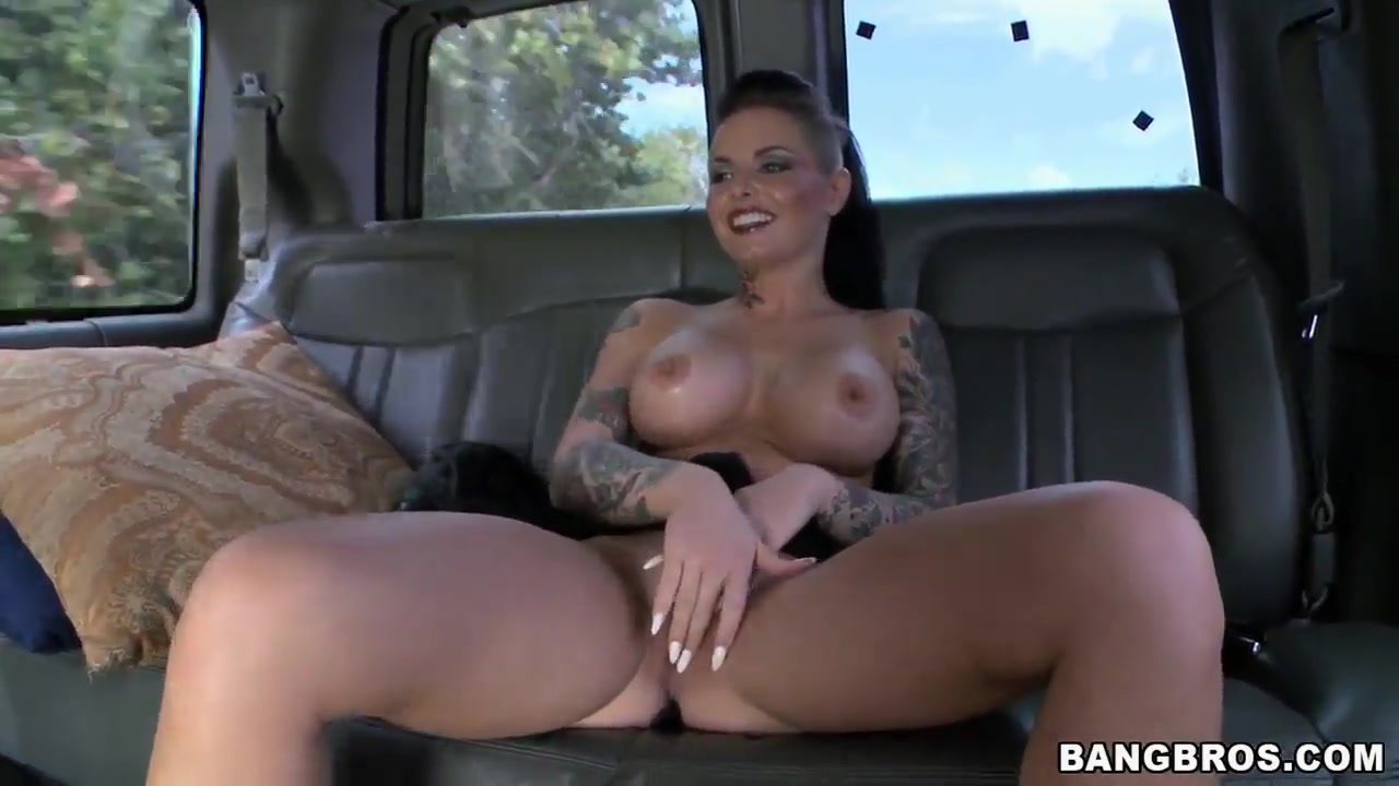 christy mack sexy with big ass does miami!