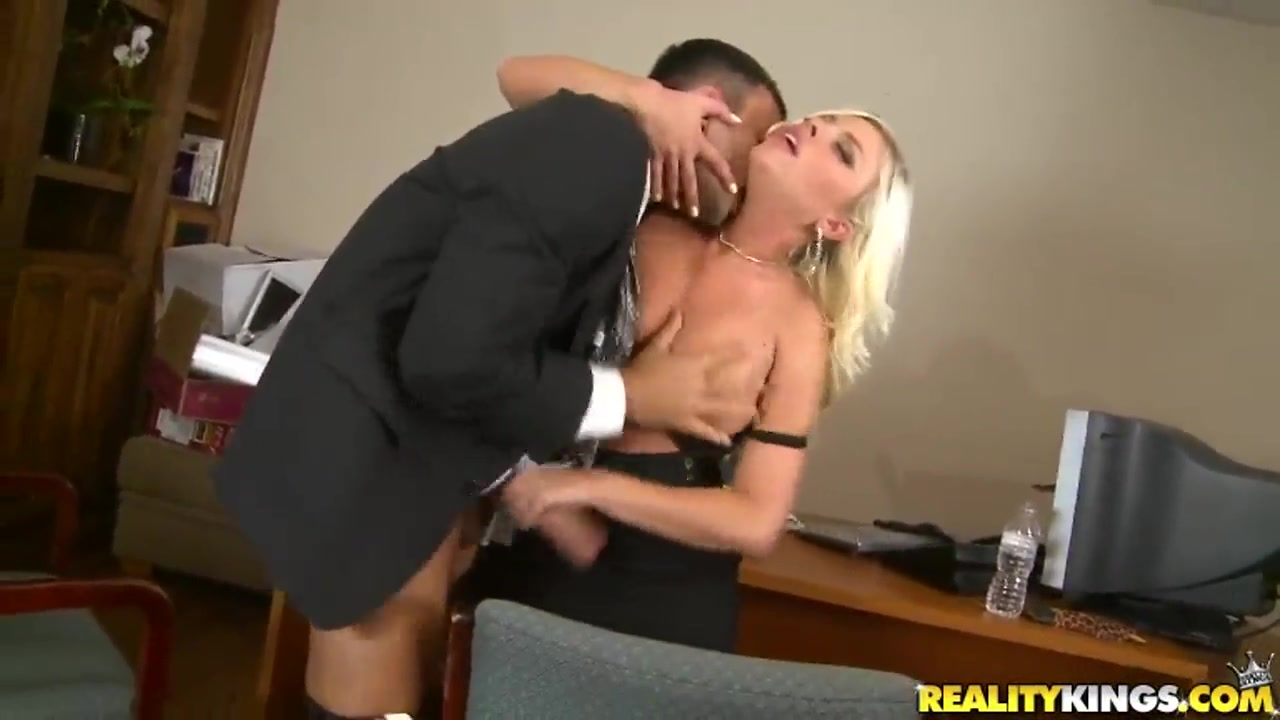 ambry blonde britney big tits gives head to voodoo