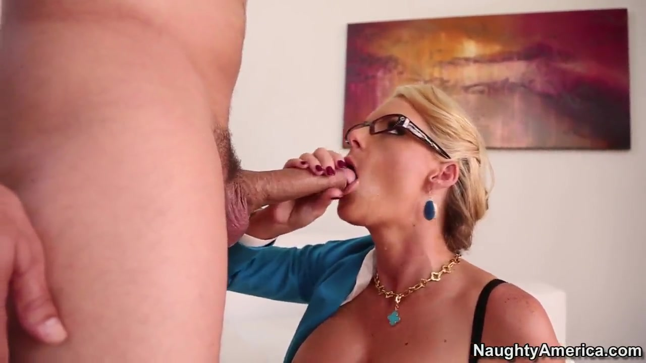 dirty blonde phoenix marie knows how to defuse the tension after the working day