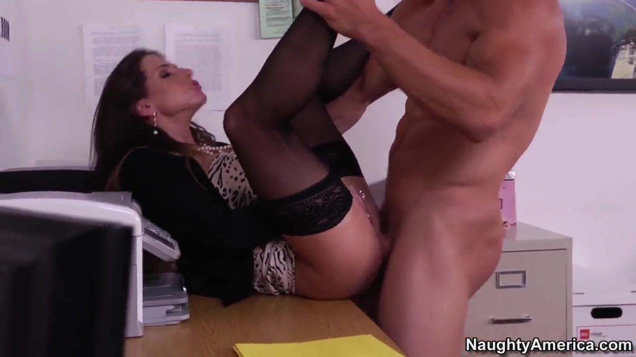 rachel roxxx getting dirty with her office buddy