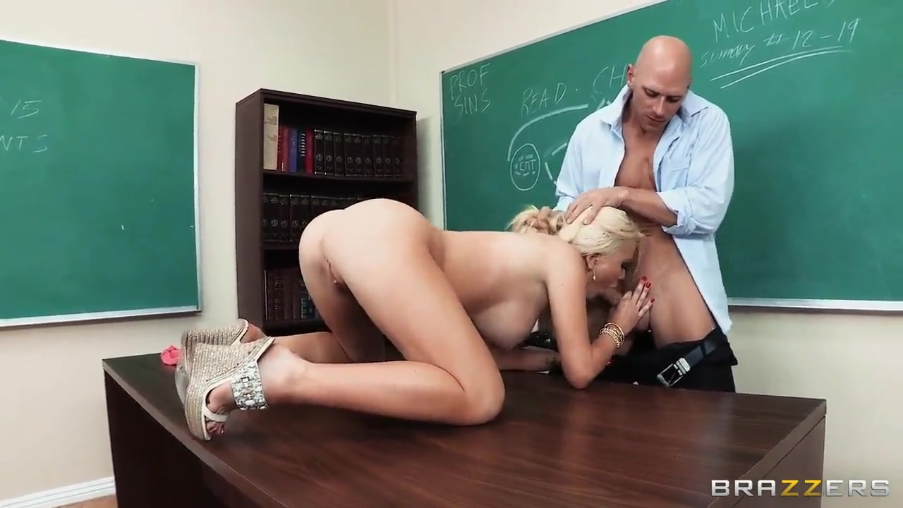 crazy action is school with alexis ford and johnny sins