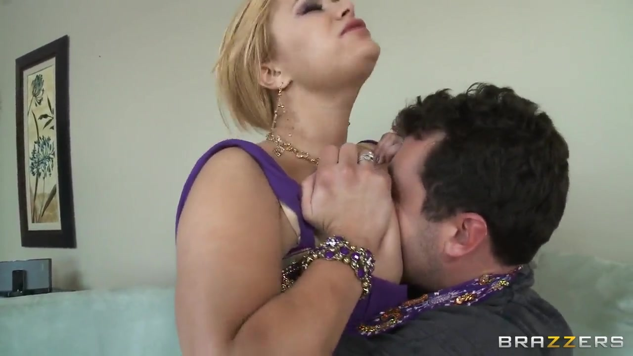 shyla stylez spicy treats her fucker with sweet boobs!