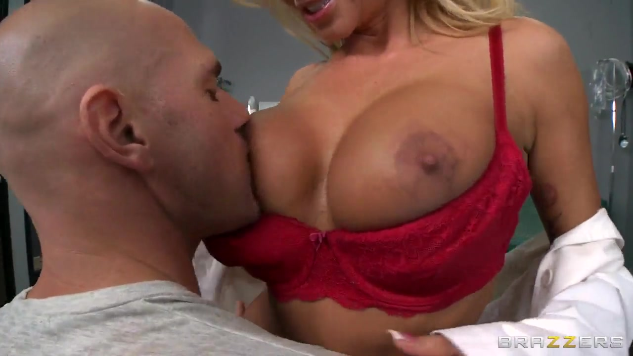 Johnny Sins searches Nikita Von James' pussy for deviations