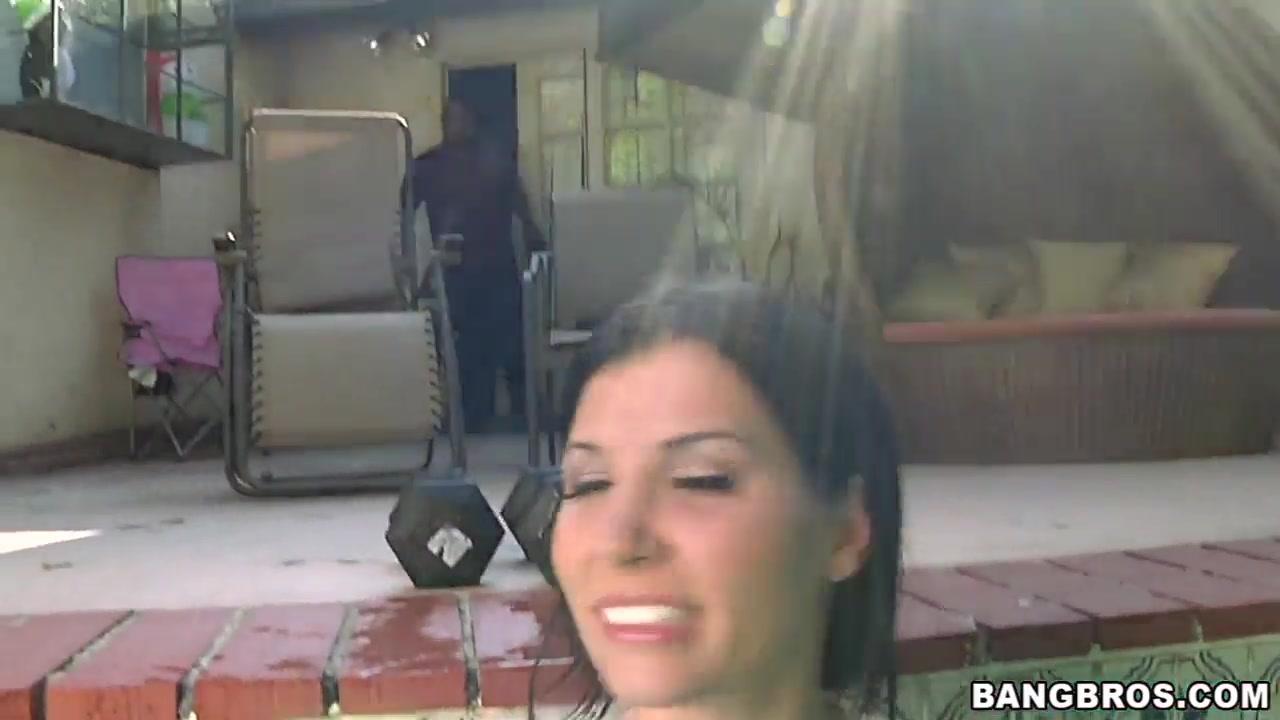 sexy rebeca linares sucks a big black dick in the pool