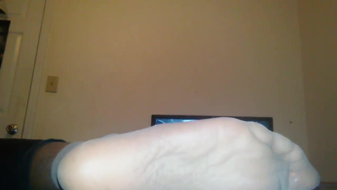 EbonyFeet nylons and rubbing