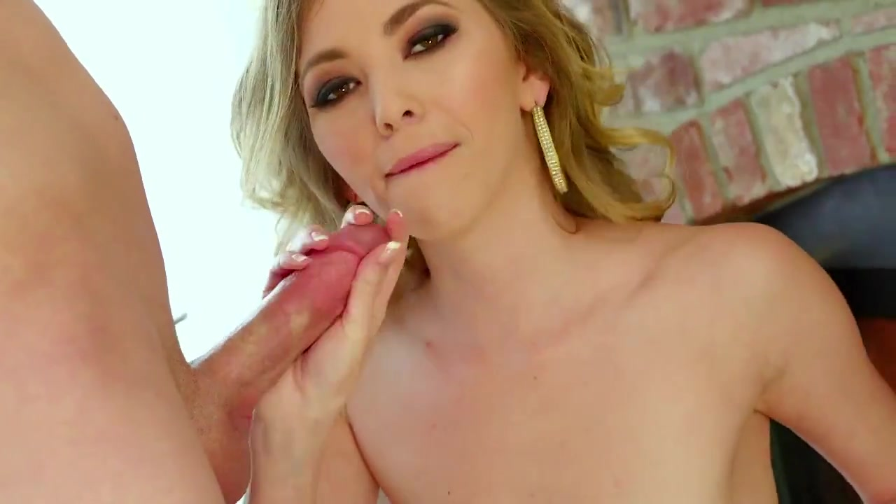 Petite Sloppy Deepthroat Blowbang Bukkake