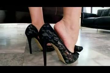 Feet 16 ( Asian Feet )